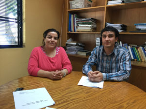 Dra. Evelyn Villagra y el estudiante Francisco Imas.